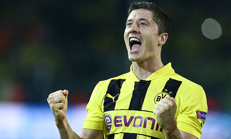 Lewandowski is still undecided on where his future lies